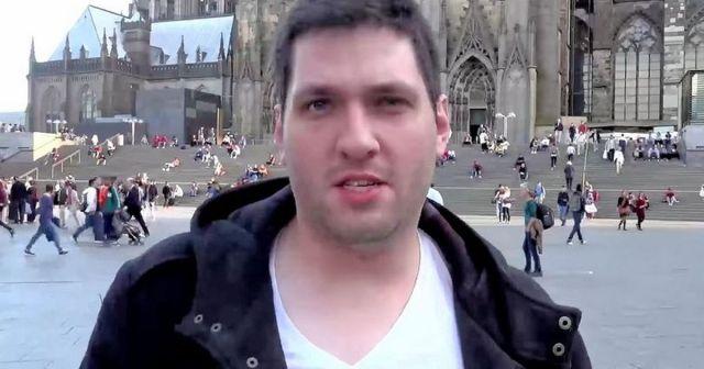 vlogger-colin-robertson